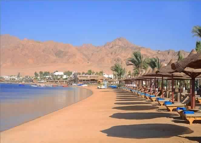 Красивый пляж в Дахабе